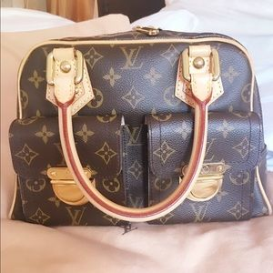 🎈SOLD🎈Authentic Louis Vuitton Manhattan